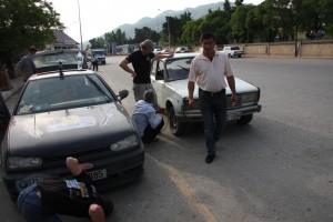 Aserbaidschan - PAnnenhilfe beim Lada
